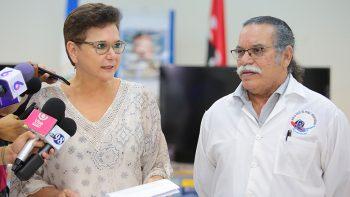 UNFPA DONÓ AL MINSA EQUIPOS AUDIOVISUALES PARA LAS CASAS MATERNAS.