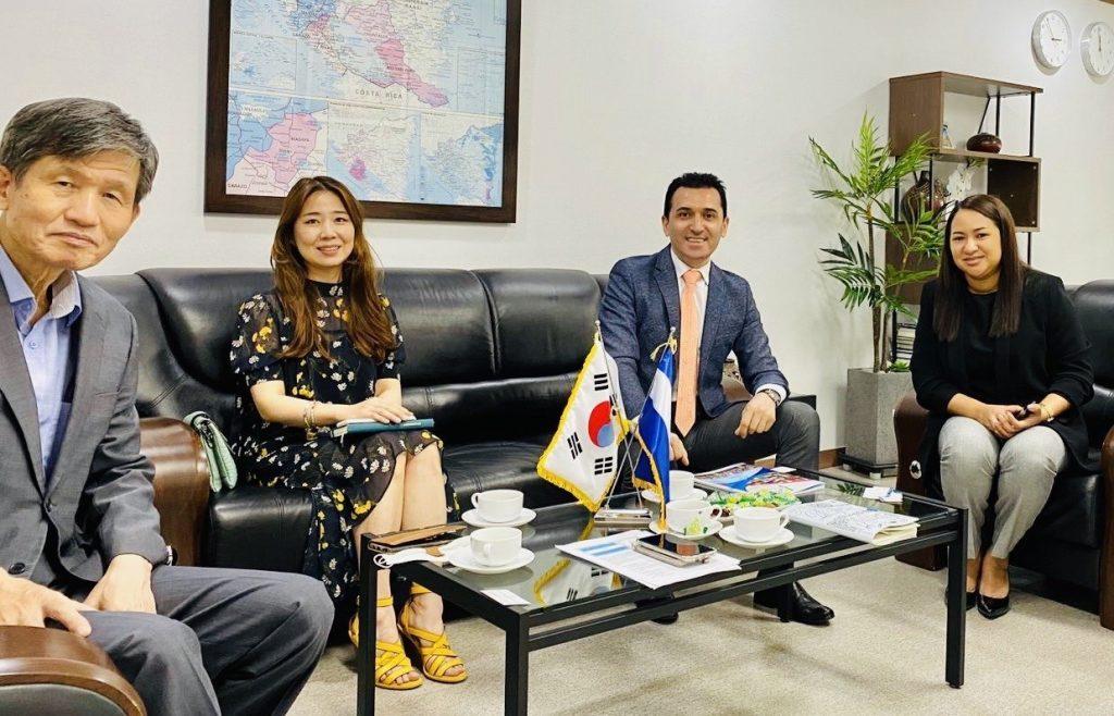 global business allience visita embajada de corea