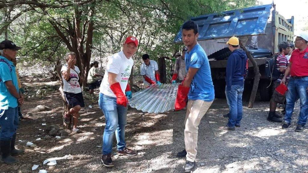 familias afectadas por huracanes