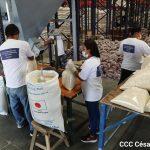 Preparan alimentos a zonas afectadas por huracanes