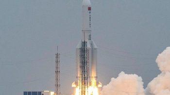 Restos del cohete chino Long March 5B caen en el mar Arábigo, en el océano Índico