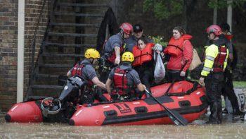 Vientos y lluvias provocan inundaciones en el sur de EEUU