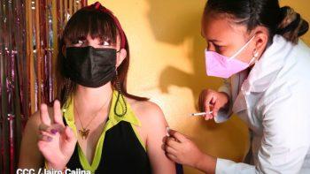 Trabajadores de la Salud continúan con éxito vacunación contra la Covid-19 a nivel nacional